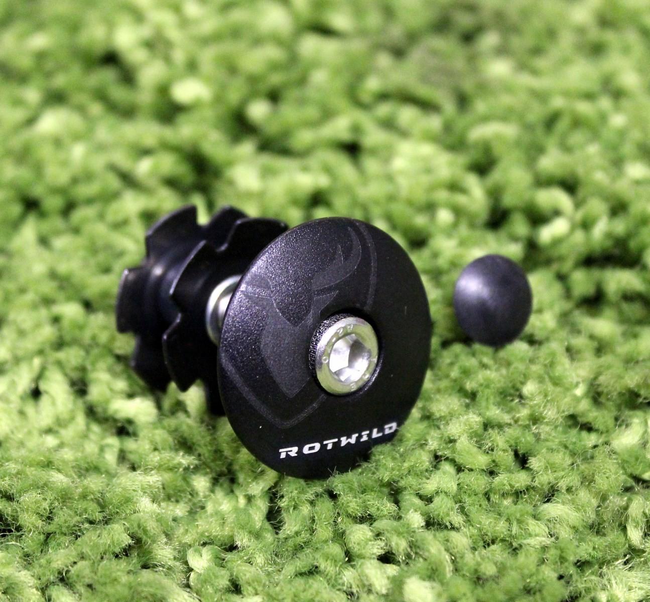 ROTWILD Ahead Cap black matt incl. Kralle und Schraube